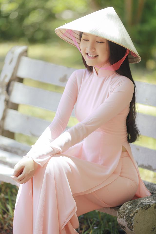 Nang tho xu Hue khoe nhan sac hoa nhuong nguyet then-Hinh-4