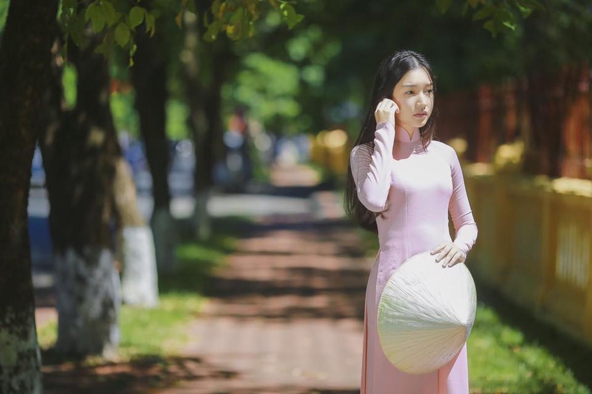 Nang tho xu Hue khoe nhan sac hoa nhuong nguyet then-Hinh-6