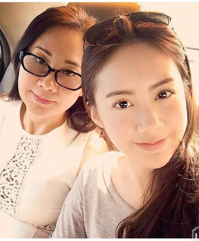 Chi em hot girl Lao goc Viet khoe anh tung tang Ha Noi-Hinh-6