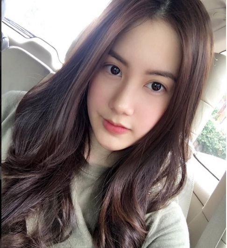 Chi em hot girl Lao goc Viet khoe anh tung tang Ha Noi-Hinh-9