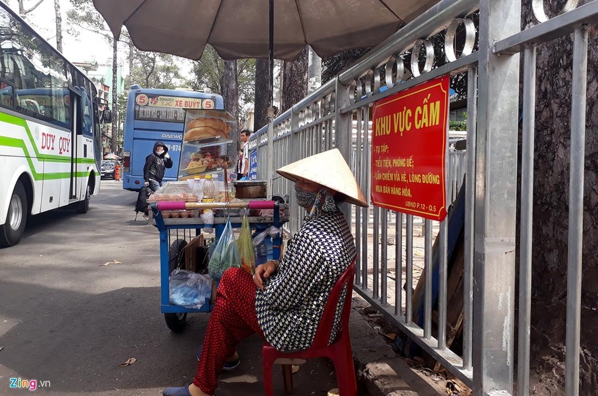Anh: Dai phan cach via he nhu chuong thu o Sai Gon-Hinh-19
