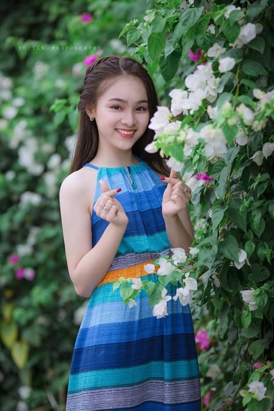 "Nu sinh 10X Ha Thanh co ngoai hinh ""trieu like"" la ai?-Hinh-6"