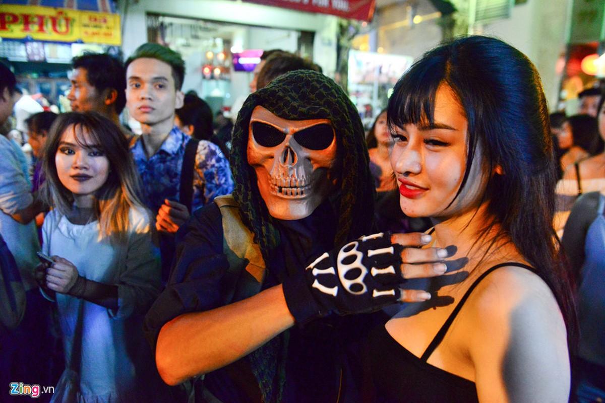 Gioi tre do ra duong Sai Gon don Halloween-Hinh-15