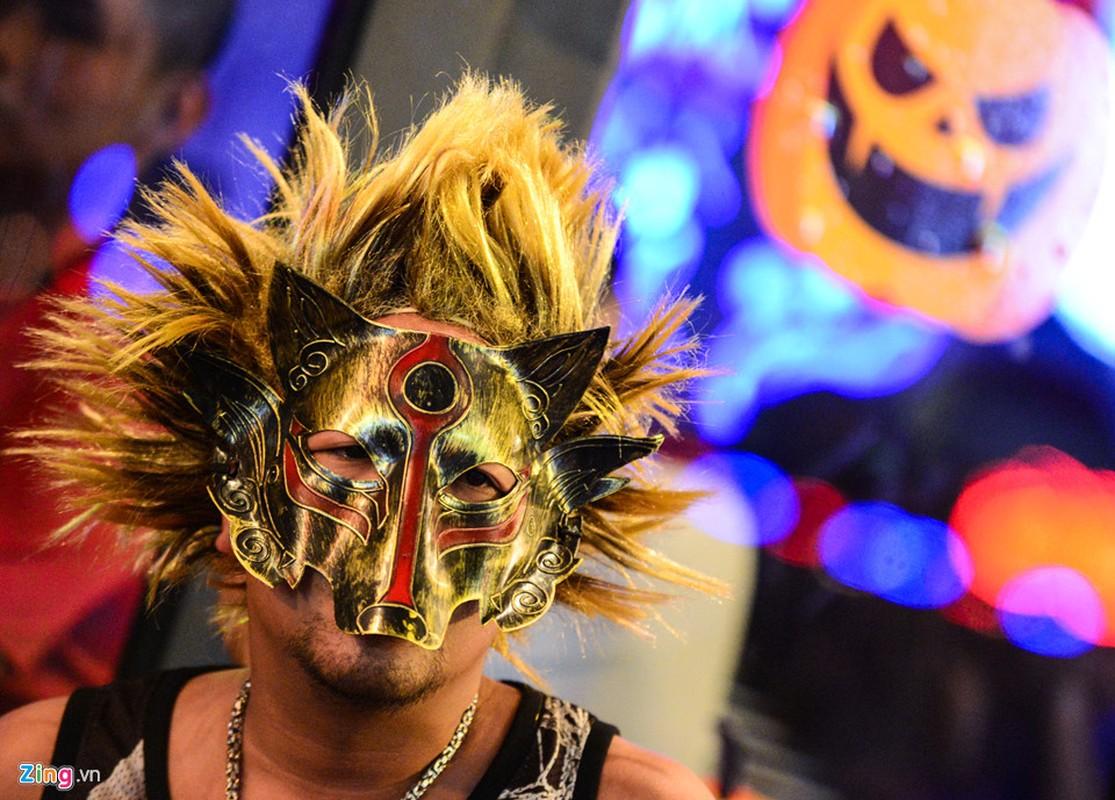Gioi tre do ra duong Sai Gon don Halloween-Hinh-17