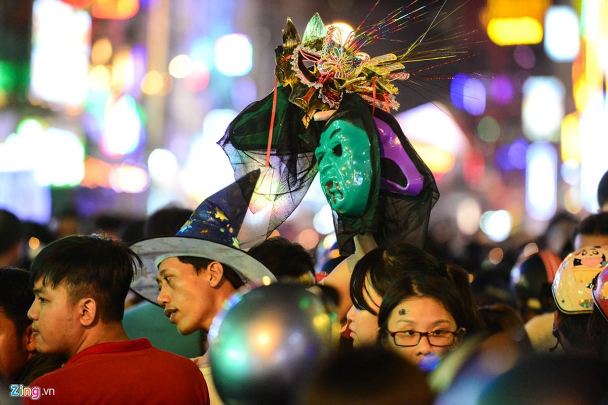 Gioi tre do ra duong Sai Gon don Halloween-Hinh-5