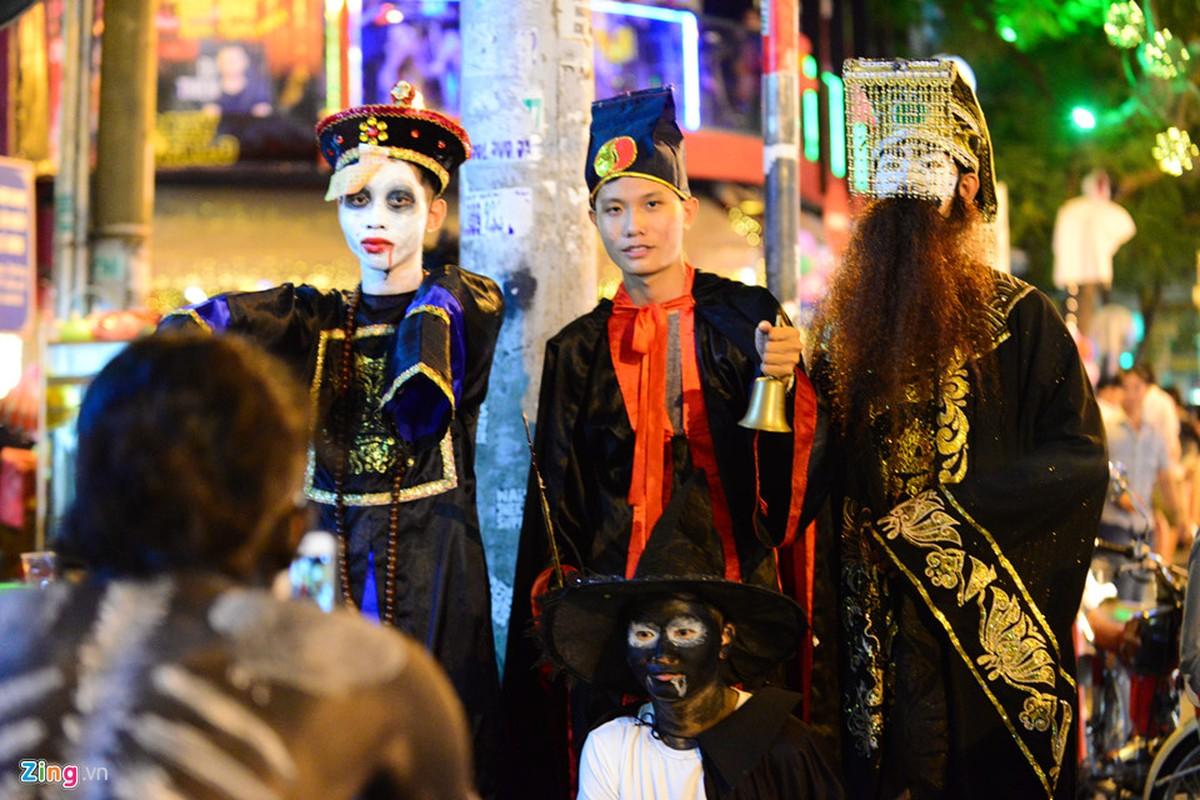 Gioi tre do ra duong Sai Gon don Halloween-Hinh-9