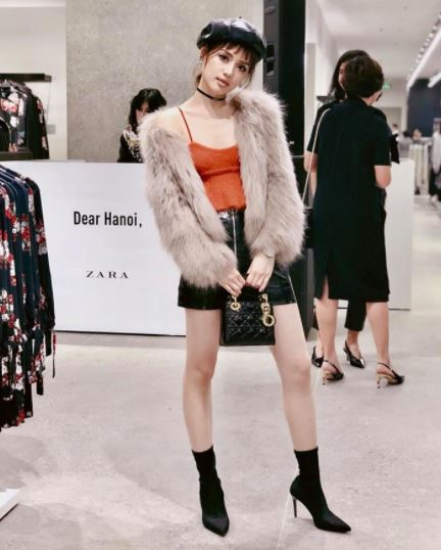 Hot girl check-in tai cua hang H&M, Zara dau tien tai Ha Noi-Hinh-5