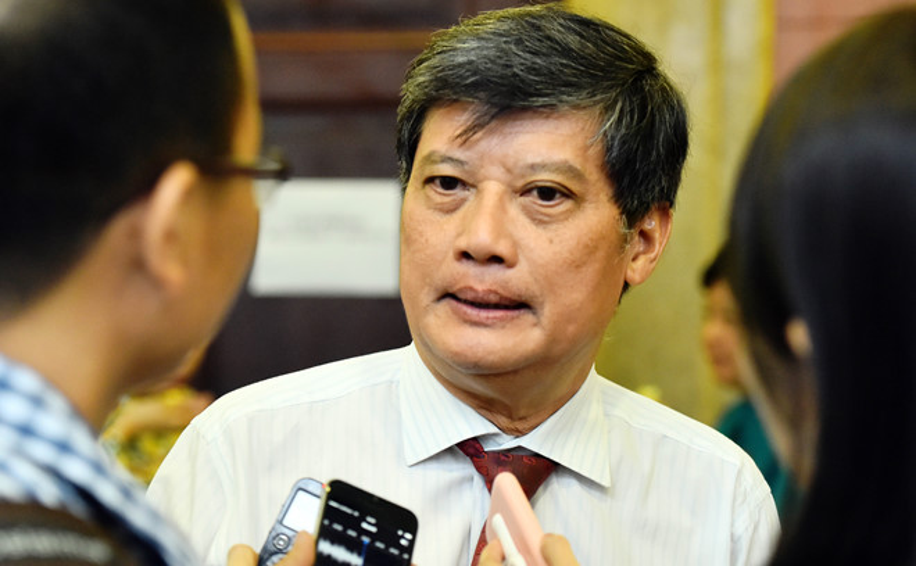 Chan dung dan cuu lanh dao TP HCM vua bi de nghi ky luat-Hinh-4