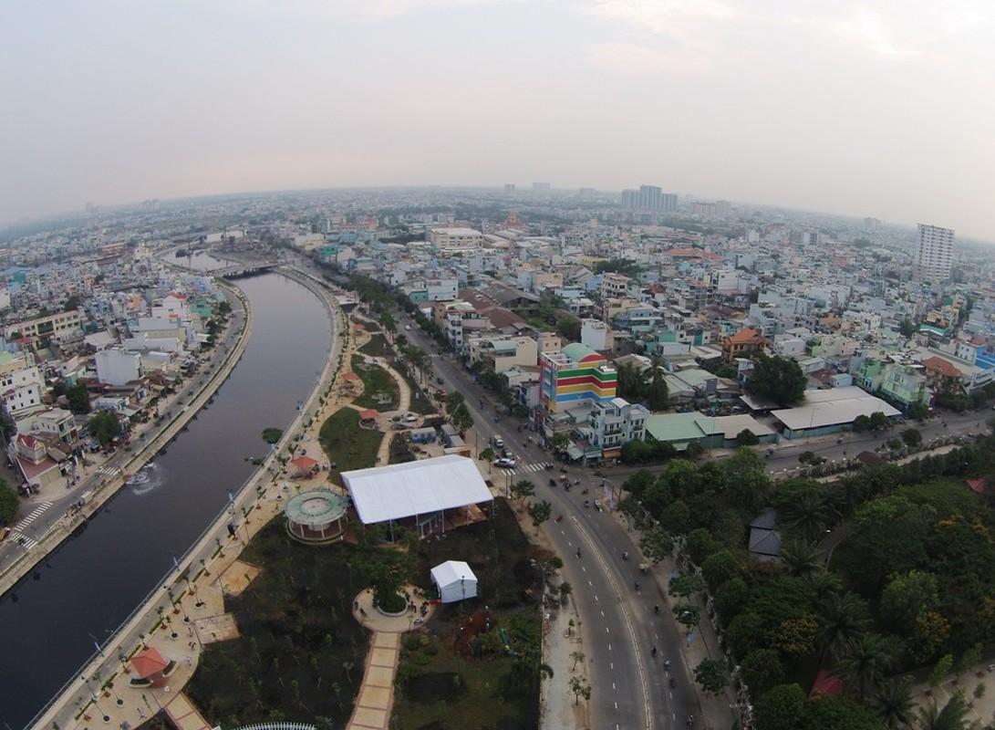 Nhung cong trinh khung chao mung Chien thang 30/4-Hinh-5