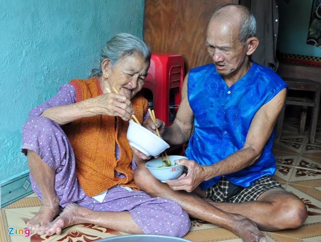 Anh: Cam dong doi tinh nhan U90 ganh nuoc o Hoi An-Hinh-12