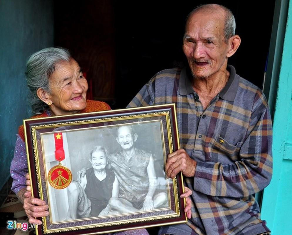 Anh: Cam dong doi tinh nhan U90 ganh nuoc o Hoi An-Hinh-16
