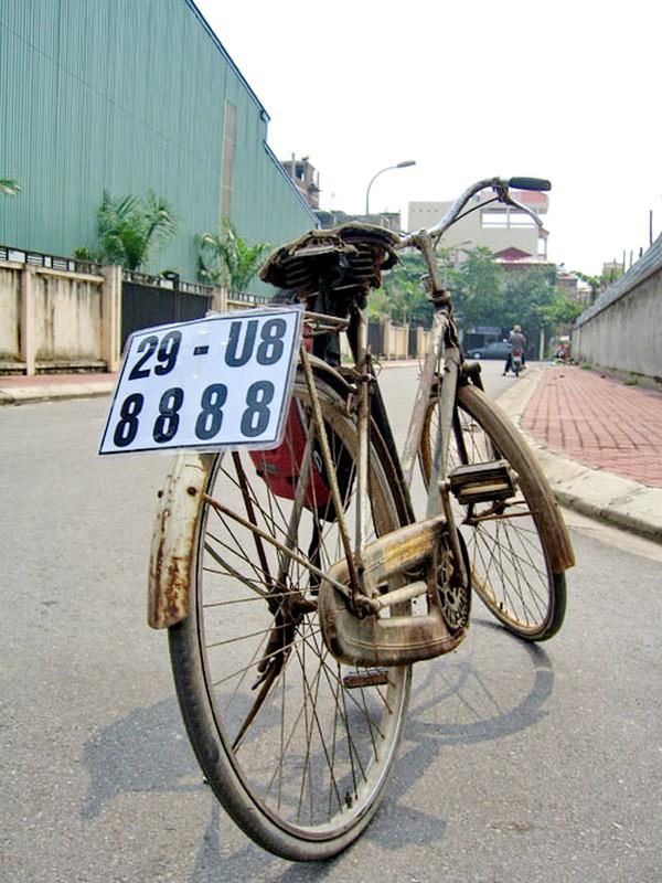 Tron mat voi du loai xe ca tang tung hoanh duong pho Viet Nam-Hinh-6
