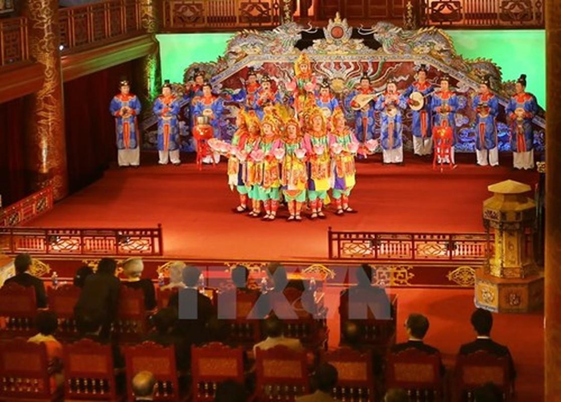 Toan canh chuyen tham Viet Nam cua Nha vua Nhat Ban va Hoang hau-Hinh-17