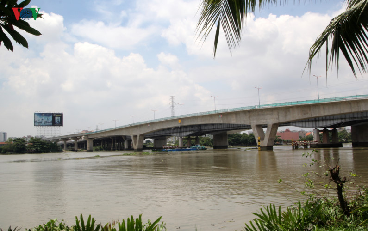 Anh: Can canh tuyen metro so 1 TP HCM ngon ngang doi von-Hinh-14