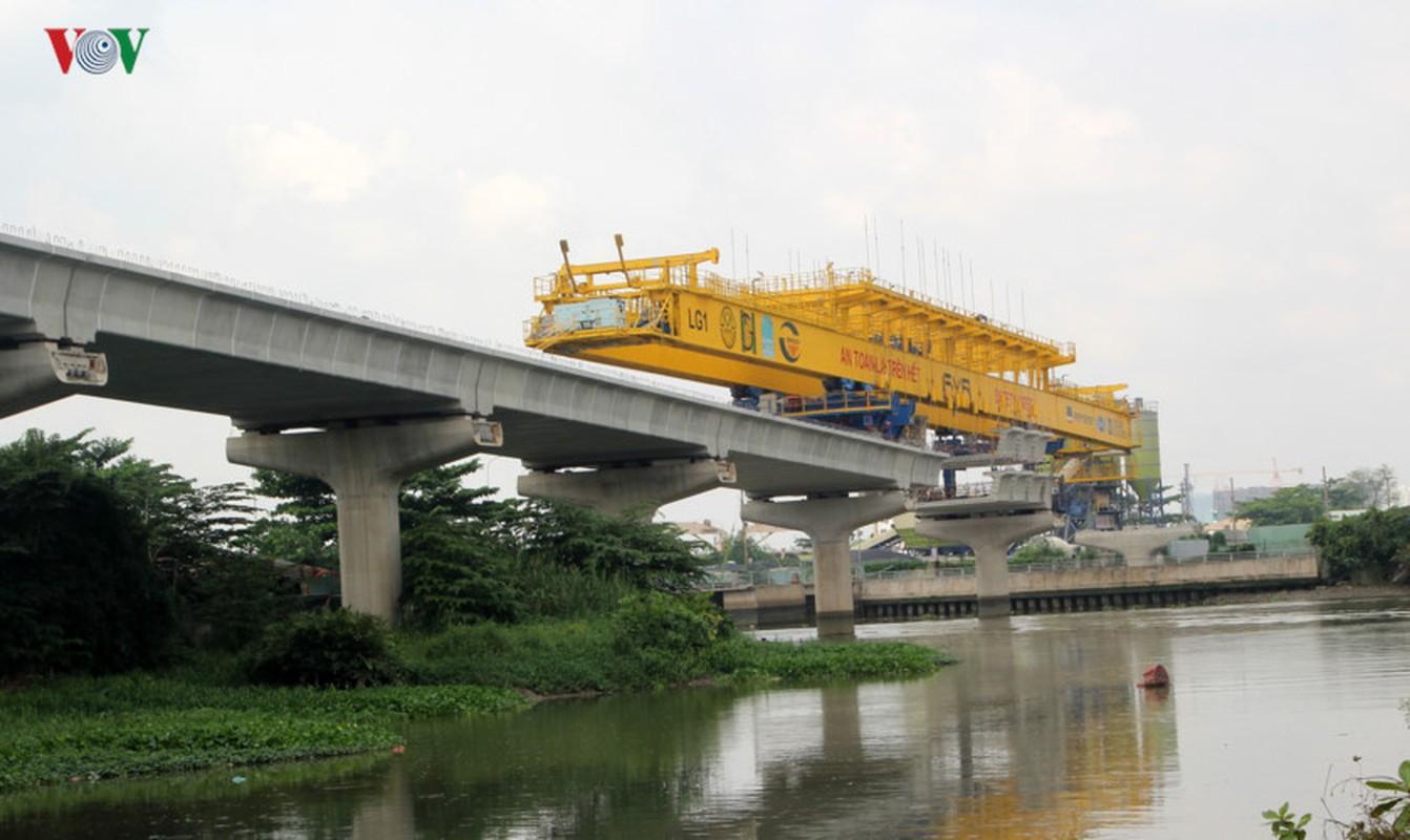 Anh: Can canh tuyen metro so 1 TP HCM ngon ngang doi von-Hinh-2