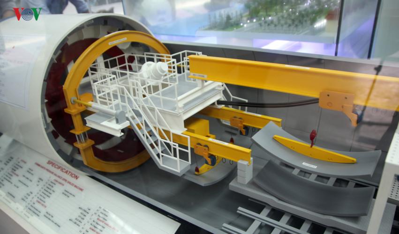Anh: Can canh tuyen metro so 1 TP HCM ngon ngang doi von-Hinh-20