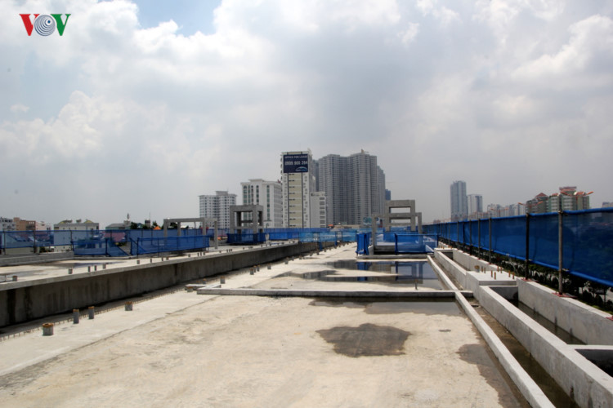 Anh: Can canh tuyen metro so 1 TP HCM ngon ngang doi von-Hinh-4