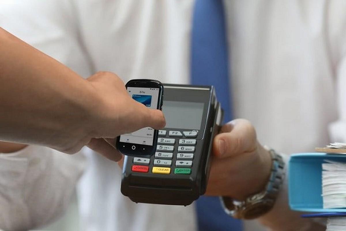 Da xac dinh smartphone nho nhat the gioi, ngang kich co... the ATM-Hinh-11