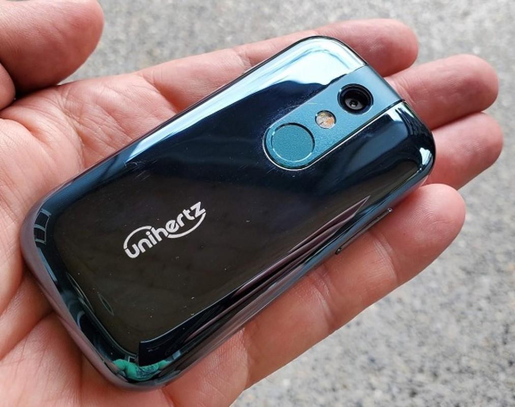 Da xac dinh smartphone nho nhat the gioi, ngang kich co... the ATM-Hinh-12