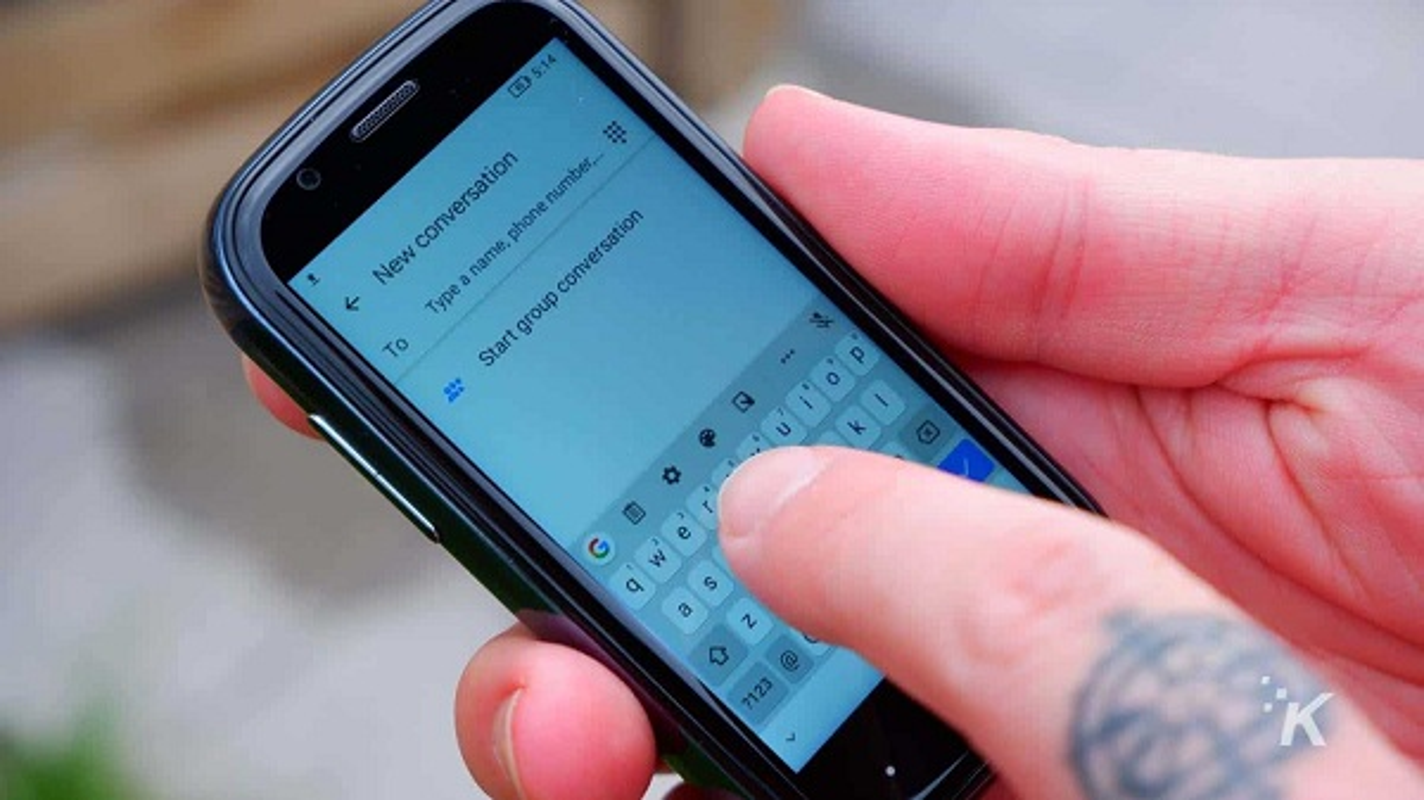 Da xac dinh smartphone nho nhat the gioi, ngang kich co... the ATM-Hinh-4