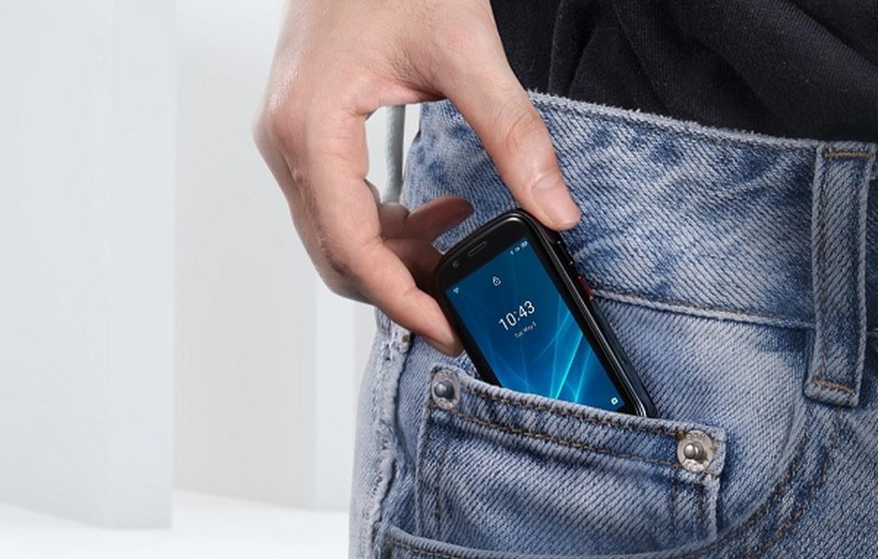 Da xac dinh smartphone nho nhat the gioi, ngang kich co... the ATM-Hinh-9