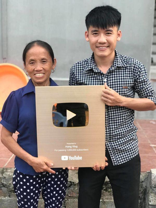 Ba Tan Vlogs, NTN va nhung Youtuber tai tieng nhat Viet Nam