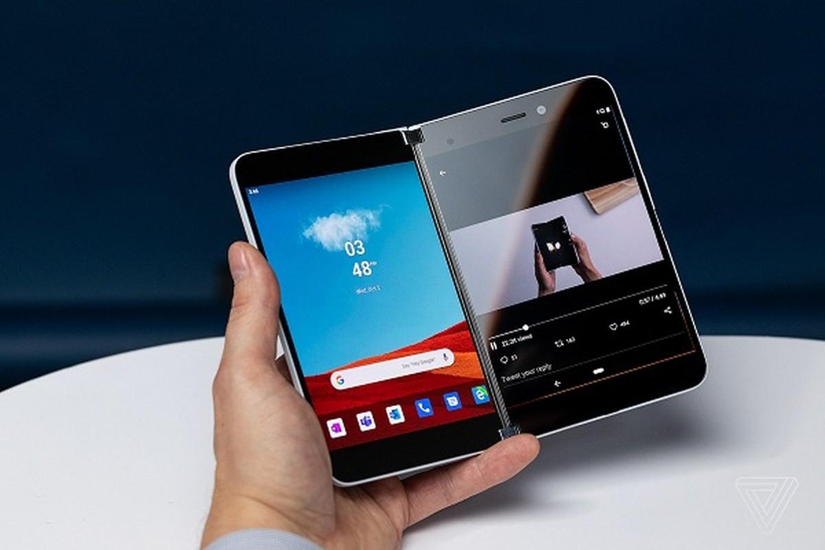 Ngam sieu pham smartphone man hinh kep cua Microsoft sap len ke-Hinh-3