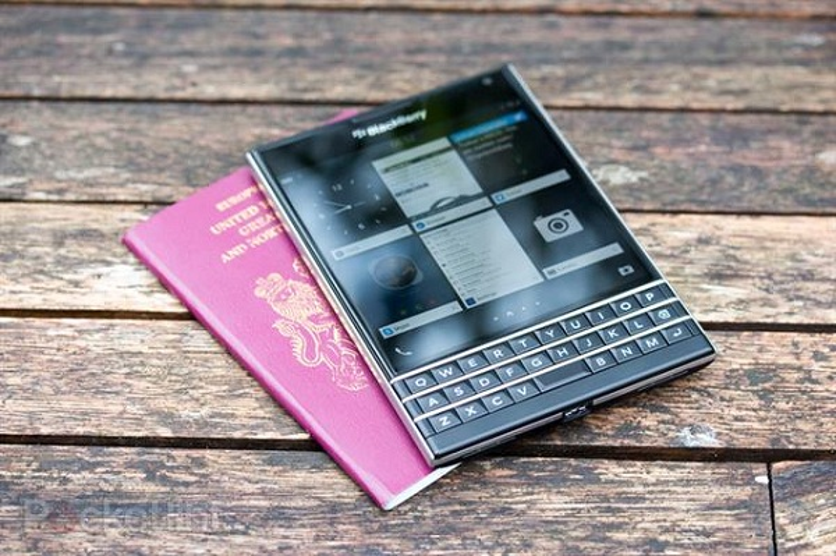 Top 5 smartphone thiet ke cuc di: Dien thoai tu di chuyen theo nhac-Hinh-10