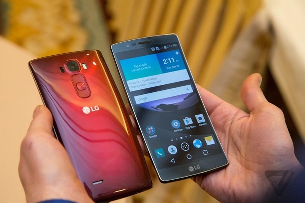 Top 5 smartphone thiet ke cuc di: Dien thoai tu di chuyen theo nhac-Hinh-4