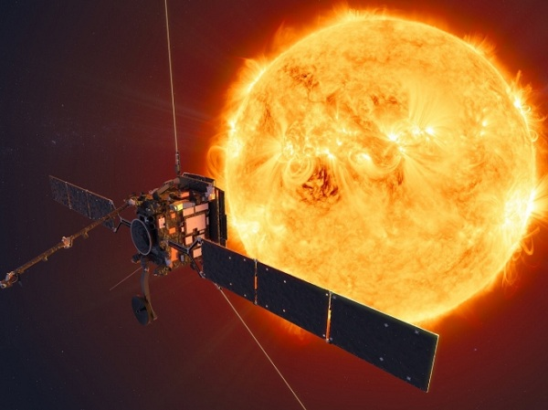 Xuat hien vat the den bi an trong anh chup Mat Troi cua NASA-Hinh-8