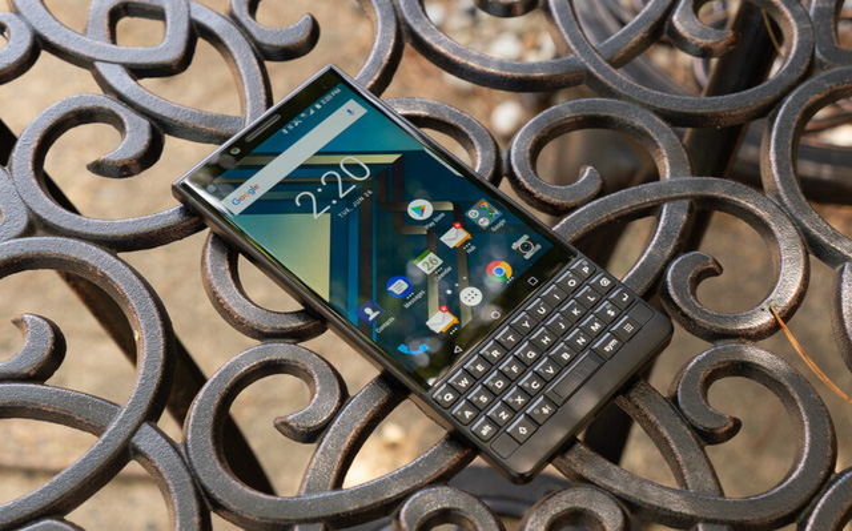 "Smartphone 5G ban phim QWERTY gop cong ""hoi sinh"" BlackBerry-Hinh-11"