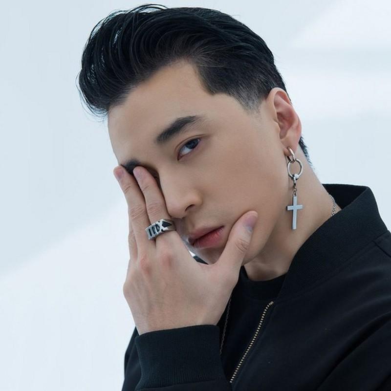 Hoa ra Binz, Son Tung M-TP va Den Vau cung la fan cuong LMHT-Hinh-11