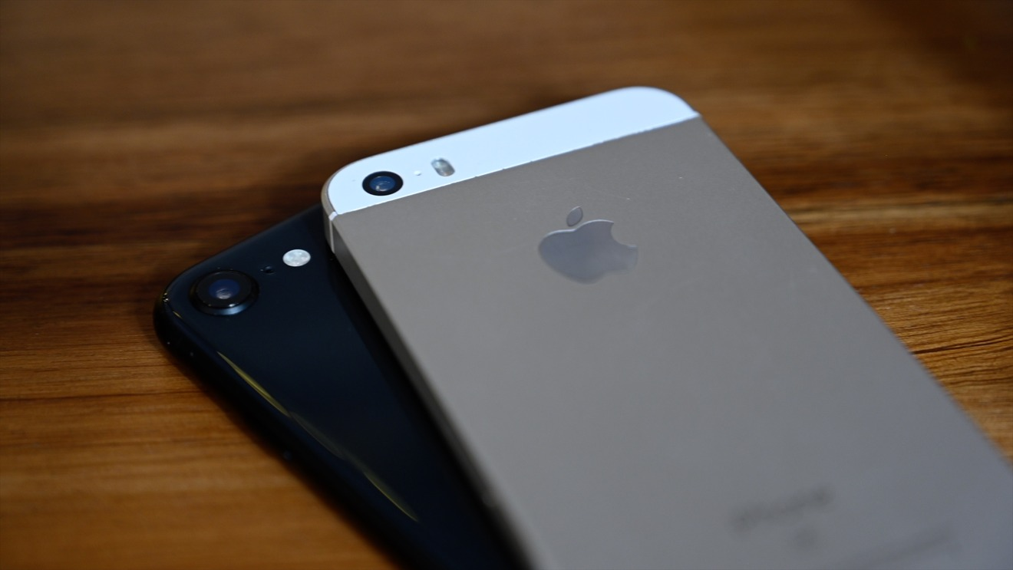 "Top 5 iPhone te nhat lich su Apple van ban ""dat nhu tom tuoi""-Hinh-3"