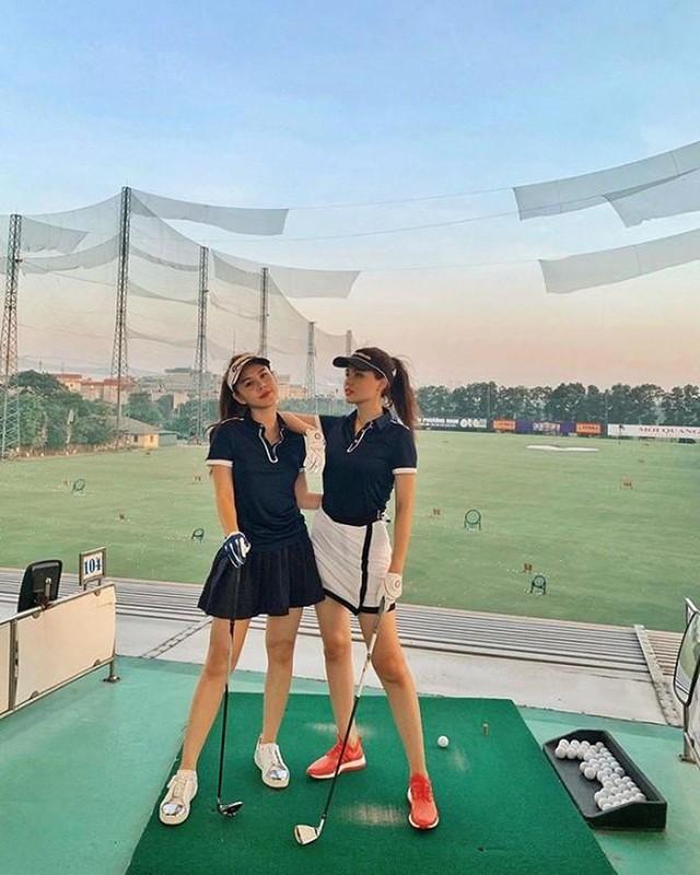 Dan my nhan Viet khoe tron body nuot na tren san golf-Hinh-12