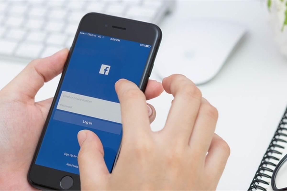 Nguoi phat hon, ke tay chay khi bi dung giao dien Facebook moi-Hinh-13