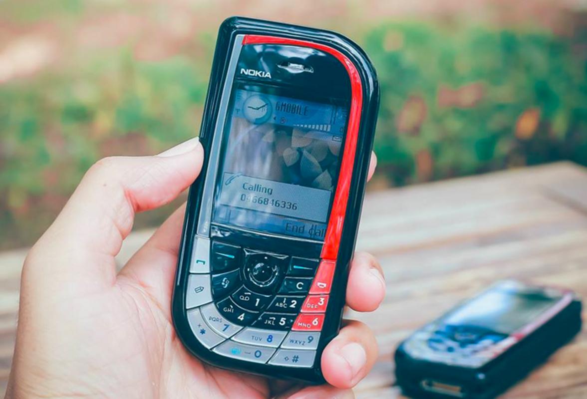 """5 """"cuc gach"""" cua Nokia tung khien nguoi Viet... bop mom, bop mieng-Hinh-10"""