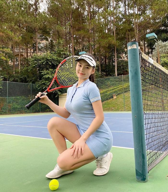 Hotgirl RMIT khoe dang tren san co khien hoi golf thu do ram ram-Hinh-12