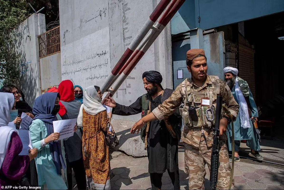 Tay sung Taliban... dap vit tai thien duong du lich Afghanistan-Hinh-5