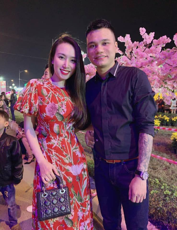 Vi sao Tuan Hung hon vo nhung fan lai reo ten vo Khac Viet?-Hinh-7