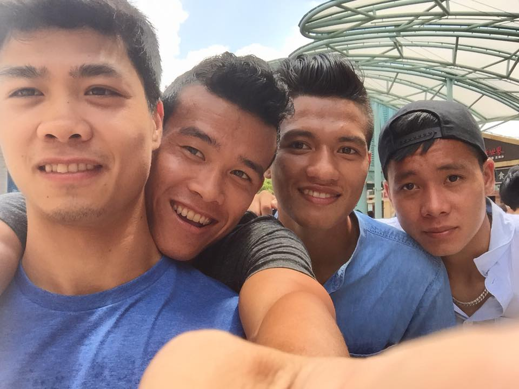 U23 Viet Nam choi gi tren dat Singapore ngay xa trai?