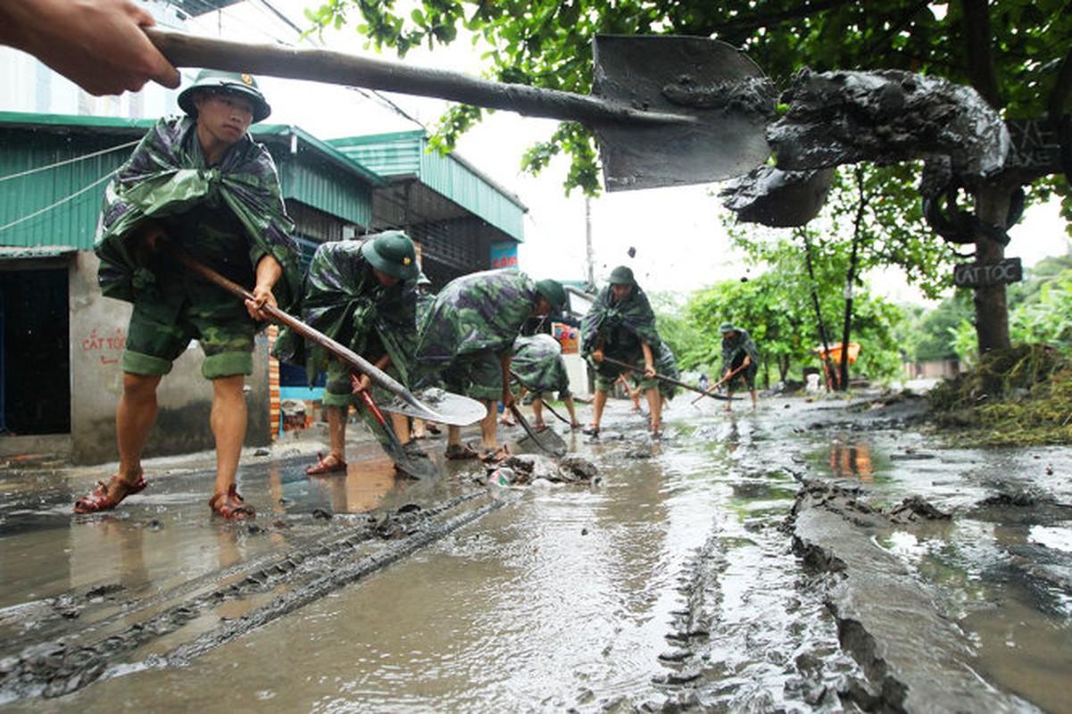 Mua lu o Quang Ninh: Nhung hinh anh dau long khi nuoc rut-Hinh-11