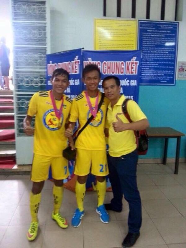 Chan dung chang cau thu Khmer lap cong cho U19 VN-Hinh-11