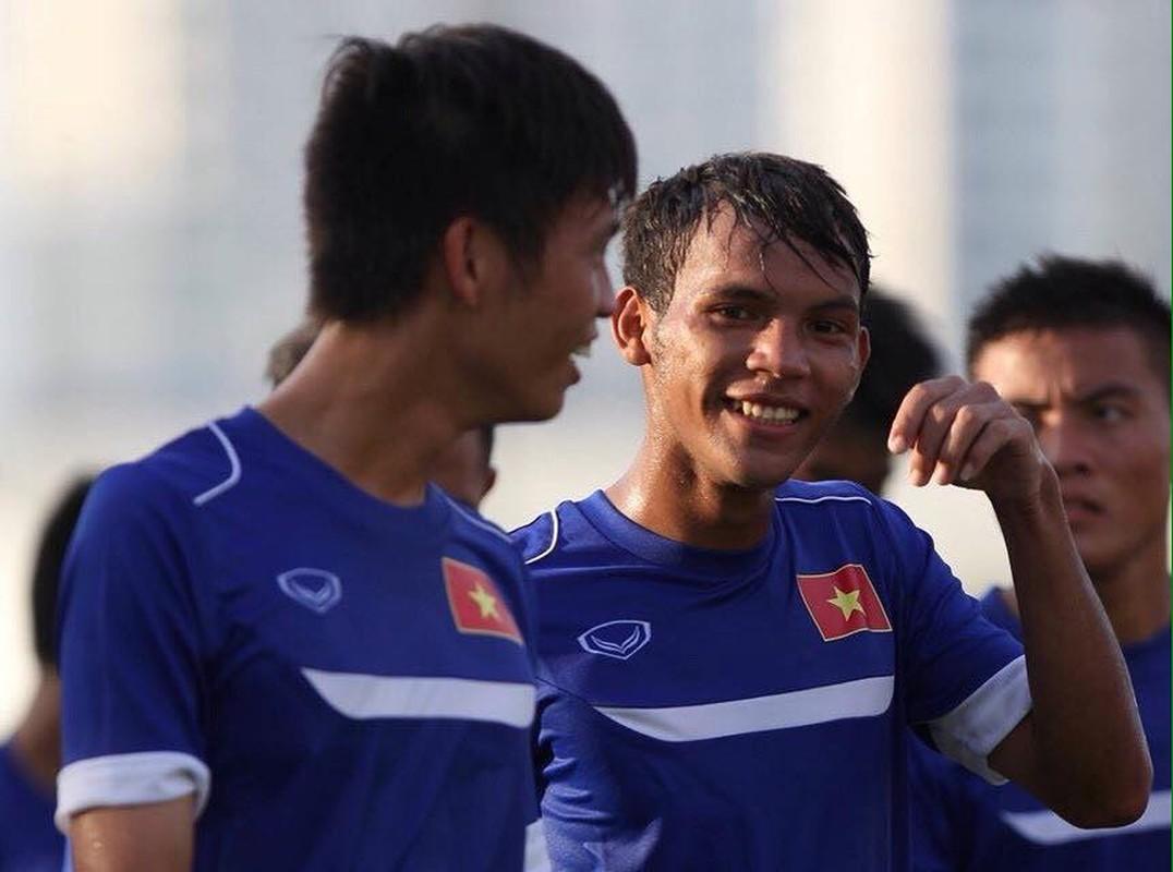 Chan dung chang cau thu Khmer lap cong cho U19 VN-Hinh-12