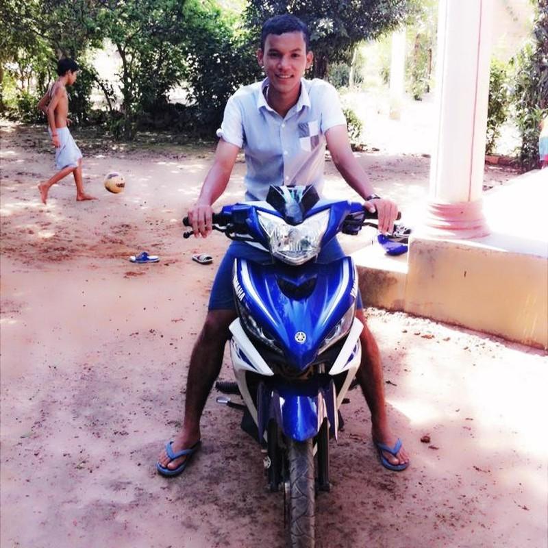 Chan dung chang cau thu Khmer lap cong cho U19 VN-Hinh-6