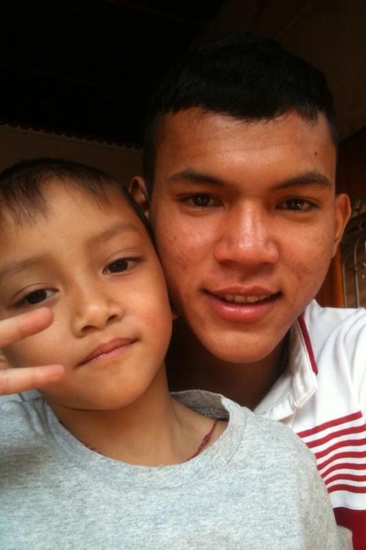 Chan dung chang cau thu Khmer lap cong cho U19 VN-Hinh-7