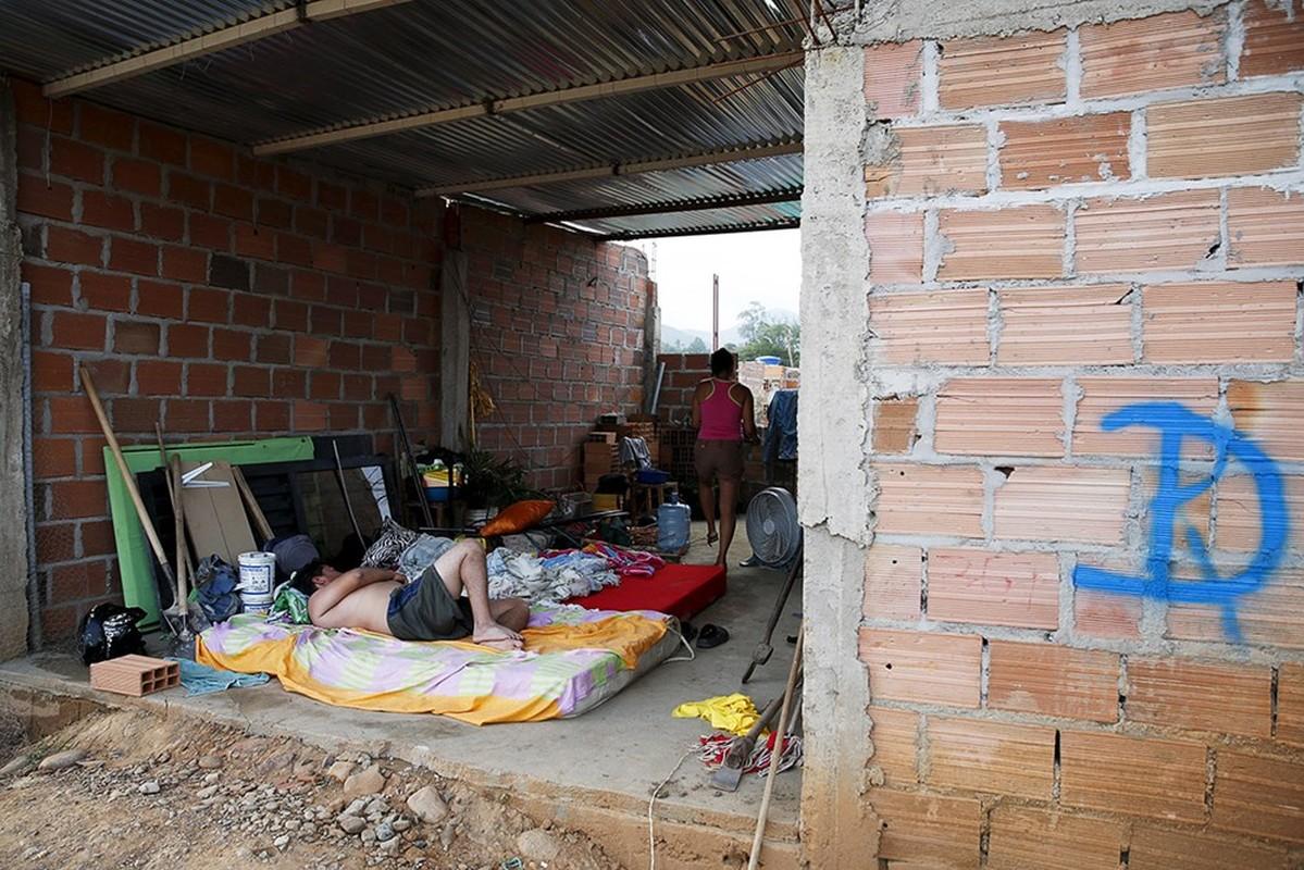 Canh tuong hon loan nguoi Colombia chay khoi Venezuela-Hinh-6