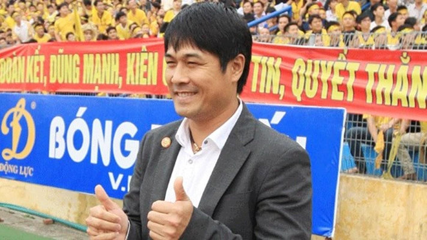 HLV Huu Thang sang cua ngoi ghe nong doi tuyen Viet Nam-Hinh-2