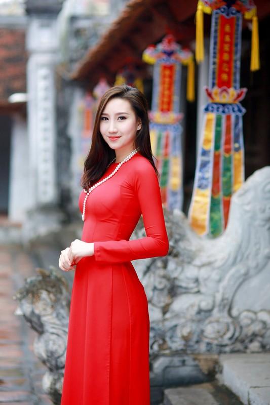 Nu sinh nguoi Lao goc Viet la hot girl truong Ngoai giao-Hinh-2