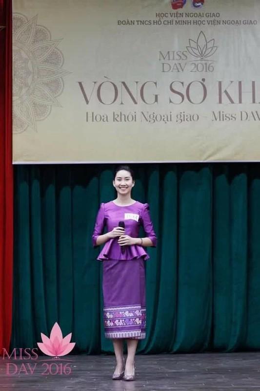 Nu sinh nguoi Lao goc Viet la hot girl truong Ngoai giao-Hinh-4