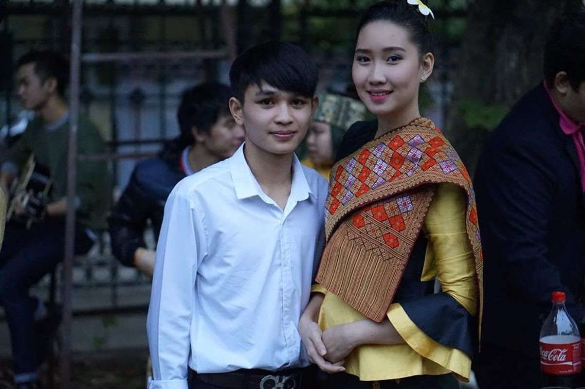 Nu sinh nguoi Lao goc Viet la hot girl truong Ngoai giao-Hinh-6